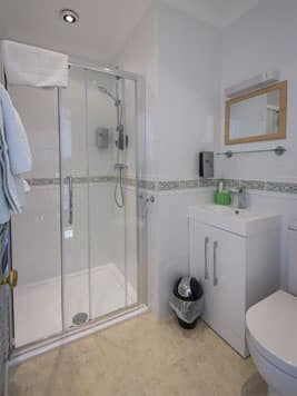 The Clifton guest accommodation hotel bathroom